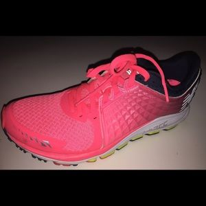 New Balance Vazee 2090 hot pink running shoes sz 8